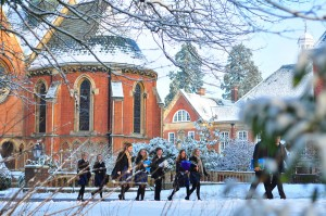 Wellington_College,_Chapel_in_the_snow.